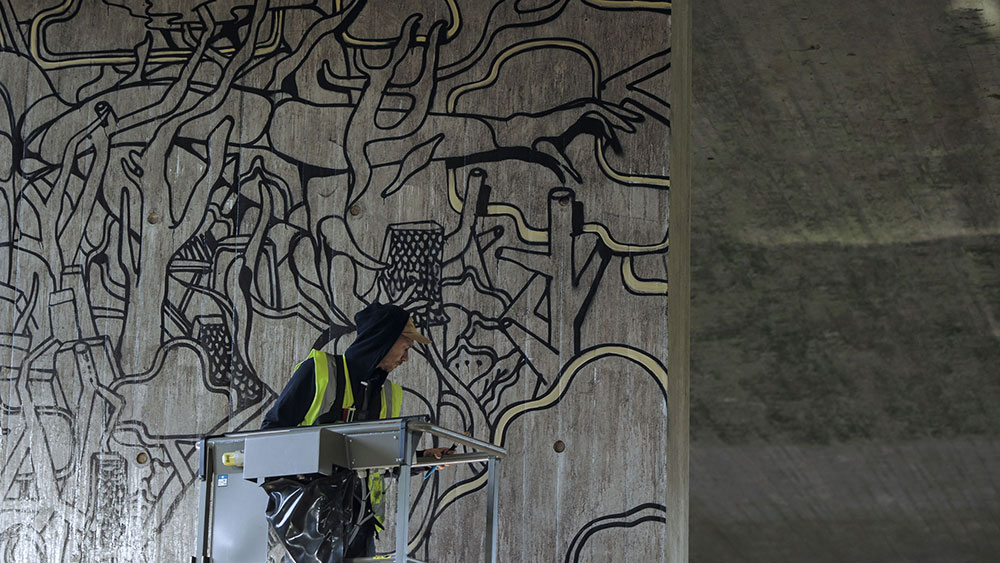 Upside Gallery_Will Barras mural painting